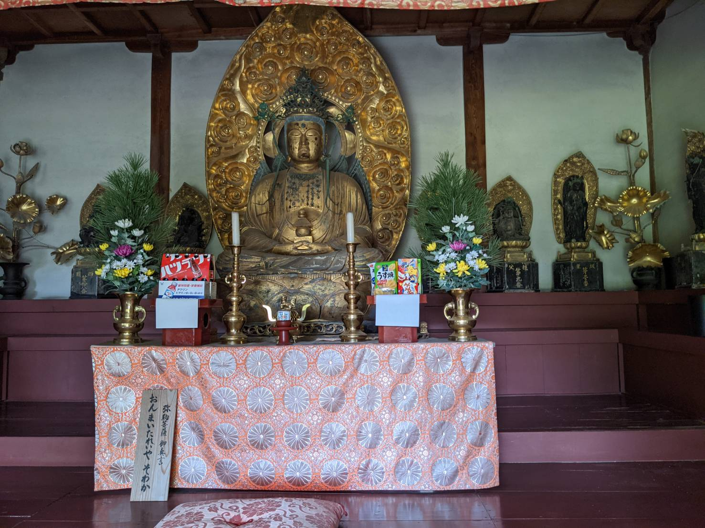 弥勒菩薩坐像。撮影ハハクラゲ